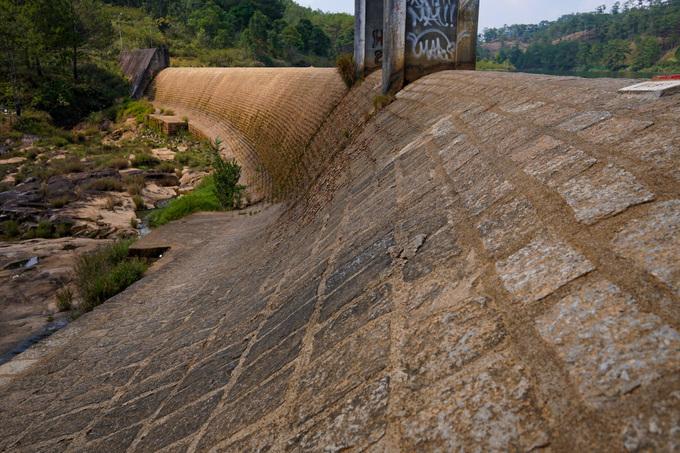 Đập thủy điện Ankroet