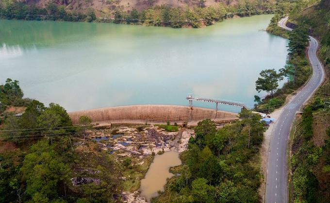 Đập tràn nhà máy thủy điện Ankroet