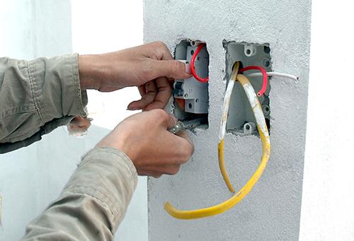 Hướng dẫn sửa dường dây điện âm trần