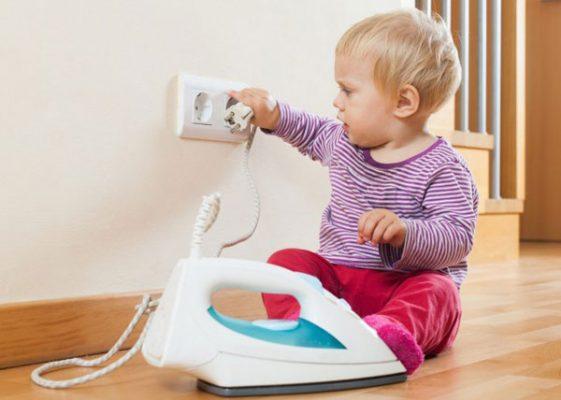 Nguy hiểm cho bé khi sử dụng điện