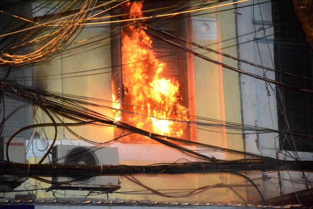 Nguyên nhân dây điện bị chập cháy