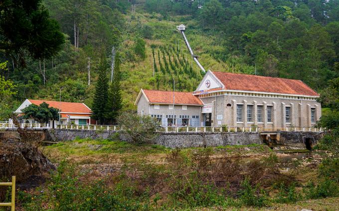 Nhà máy thủy điện đầu tiên tại Việt Nam