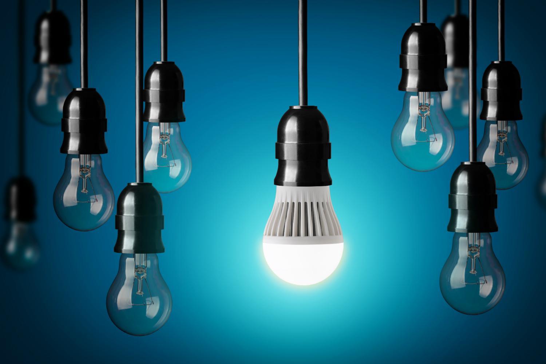 Sử dụng bóng đèn tiết kiệm điện